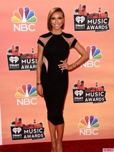 iheartradio-awards-2014-red-carpet-arrivals-show-photos-2-435x580