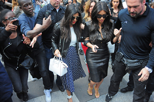 Kim Kardashian and her family do lunch at L'Avenue
