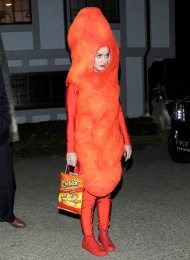 1414767063_katy-perry-cheeto-zoom