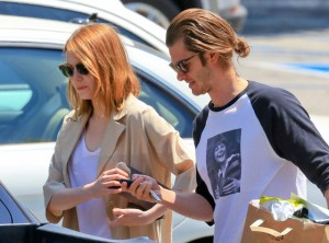rs_560x415-150527134611-1024.Emma-Stone-Andrew-Garfield.ms.052715_copy