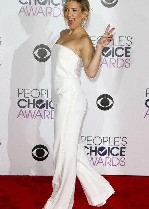 Kate-Hudson--Peoples-Choice-Awards-2016--08-300x420